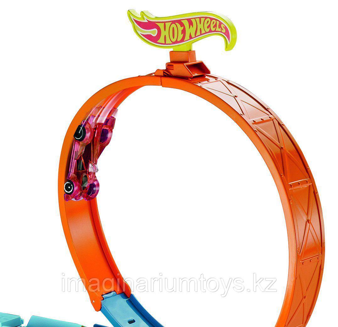 Hot Wheels Автовоз с треком Stunt&Go - фото 2