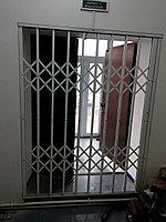 Раздвижные решётки на двери