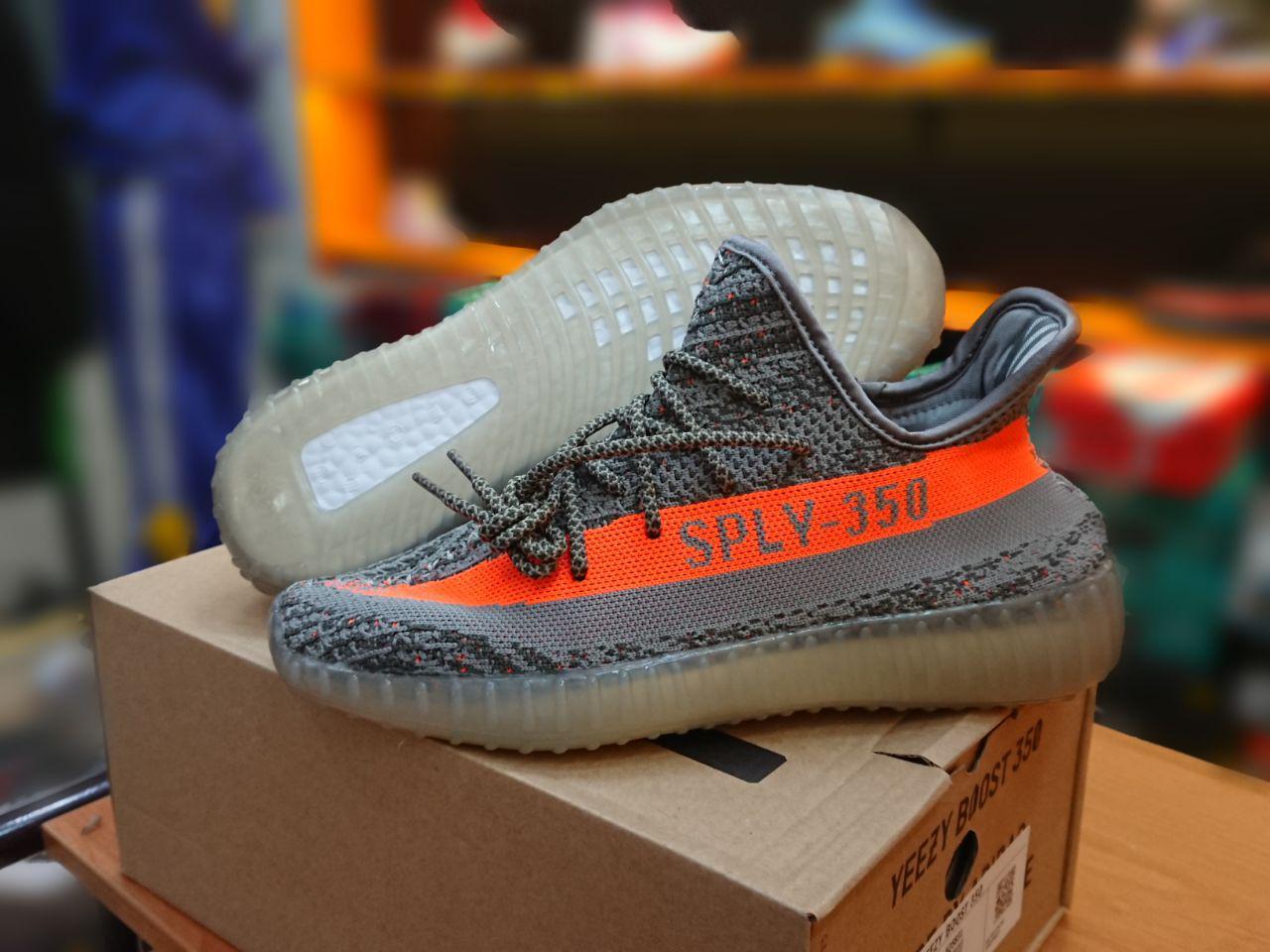 Кроссовки Adidas Yeezy Boost 350 Vol 2 by Kanye West - фото 2