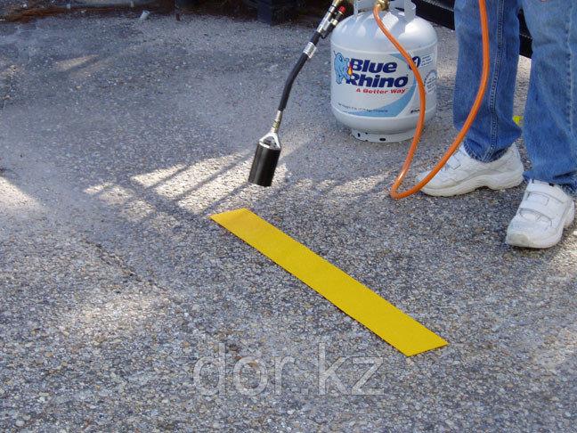 Пленка для дорожной разметки светоотражающая 0,3*50м