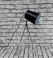Настольная лампа на треноге, лампа-прожектор