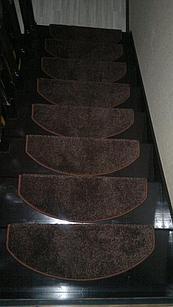 Коврики для лестниц  Ангара коричневый 21x65  в розницу