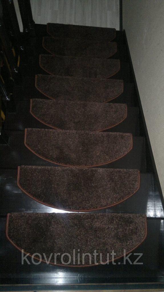 Коврики для лестниц  Ангара коричневый 23x65  в розницу