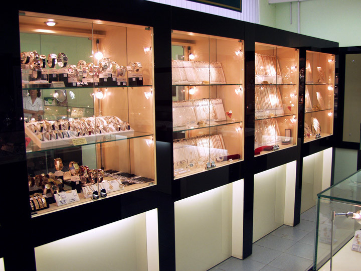 Витрины для ювелирных магазинов