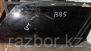 Стекло заднее правое (собачатник) Subaru Legacy (BG5)
