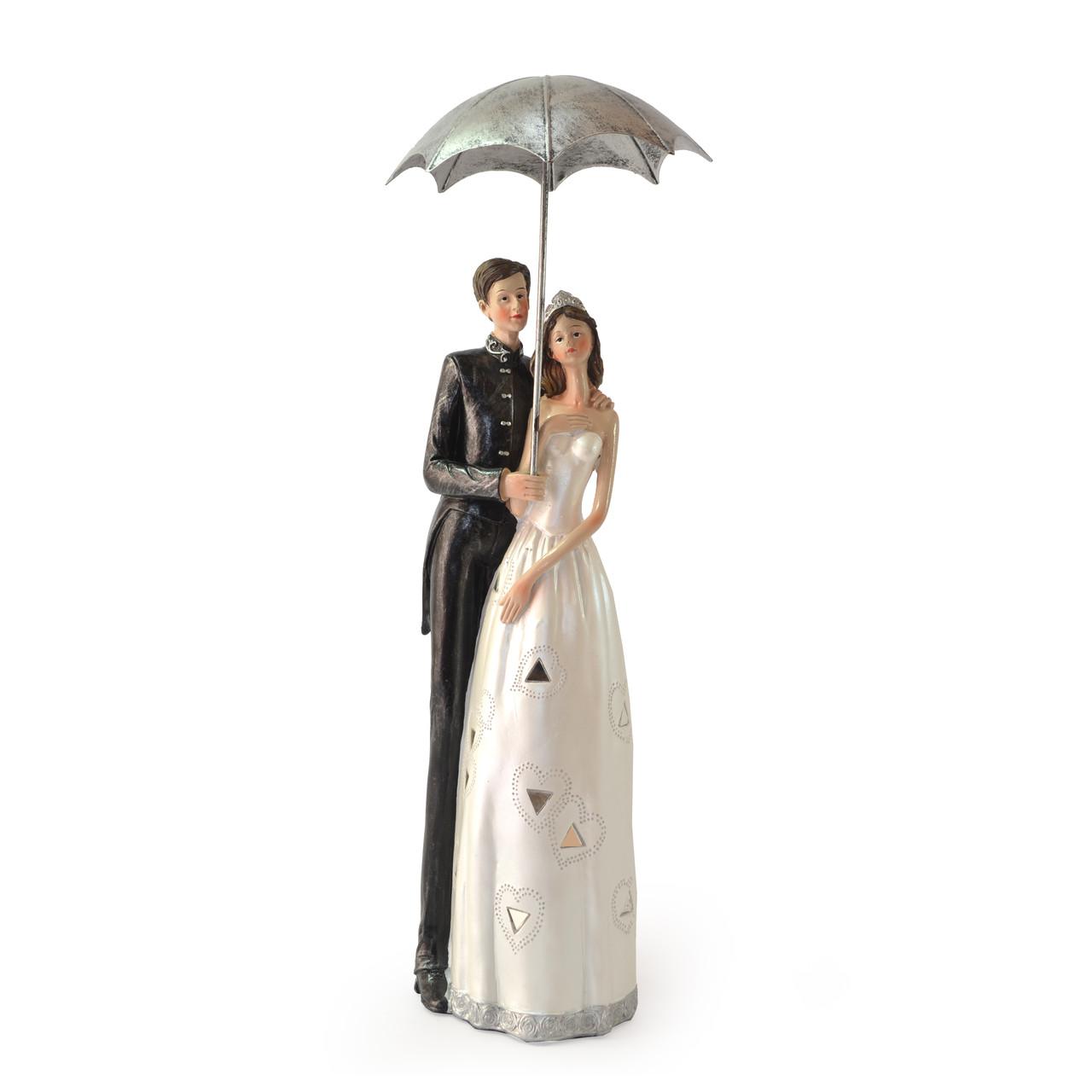 Статуэтка пара с зонтом