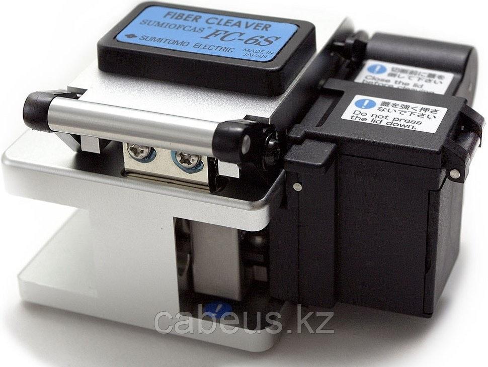 Скалыватель оптических волокон FC-6S-C (c контейнером для обрезков)