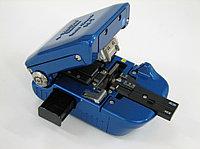 Скалыватель оптических волокон FC-7R-F, для 8-ми волоконных лент и прокручивающимся лезвием (с конте