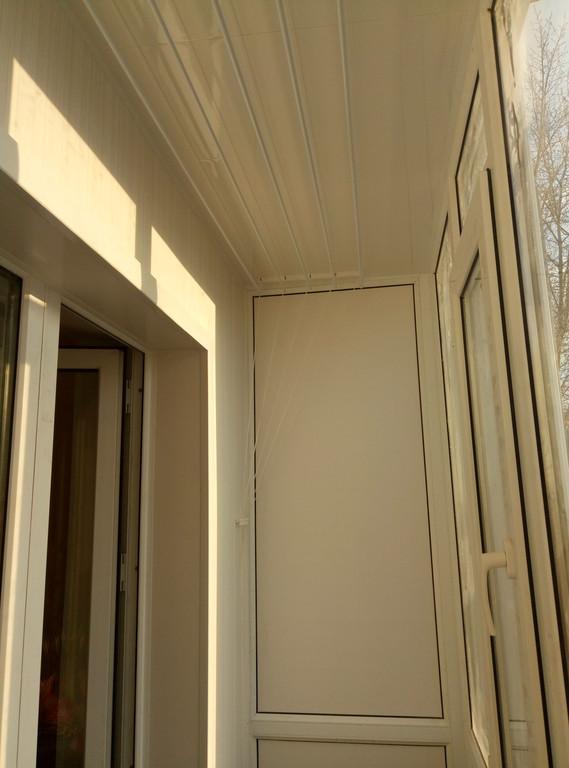 Установка витража, металлопластикогового окна и балконной пары по адресу Ш. Айманова 25/1