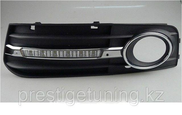 Рамки в бампер с ходовыми огнями LED DRL на Audi A4 B8