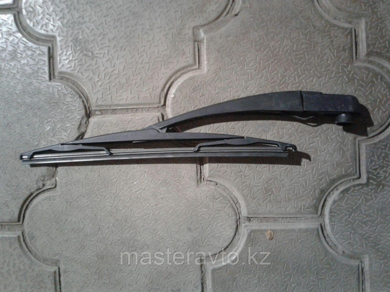 Поводок стеклоочистителя заднего для Renault Duster 2012>Б/У