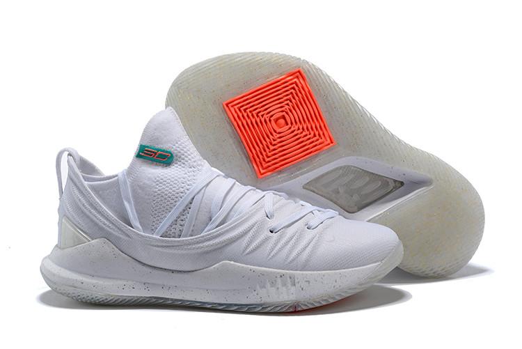 "Баскетбольные кроссовки Under Armour Curry V ""White"" Low (40-46)"