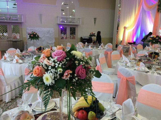 Оформление свадьбы в персиковом цвете в зале Princess Hall 11