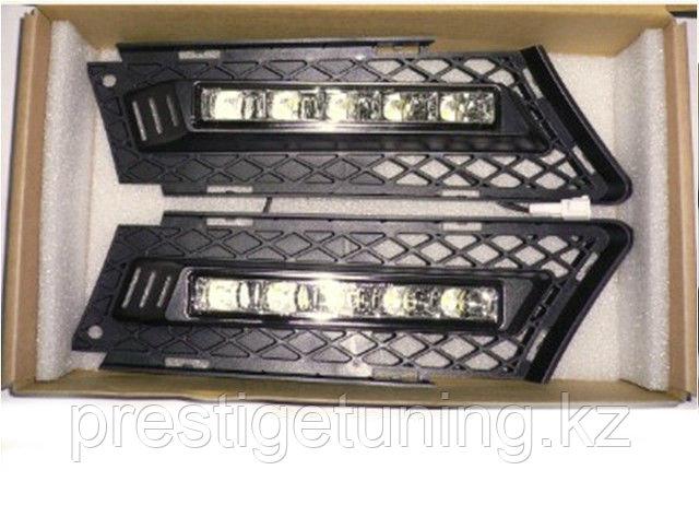 Рамки в бампер с ходовыми огнями LED DRL на BMW E90