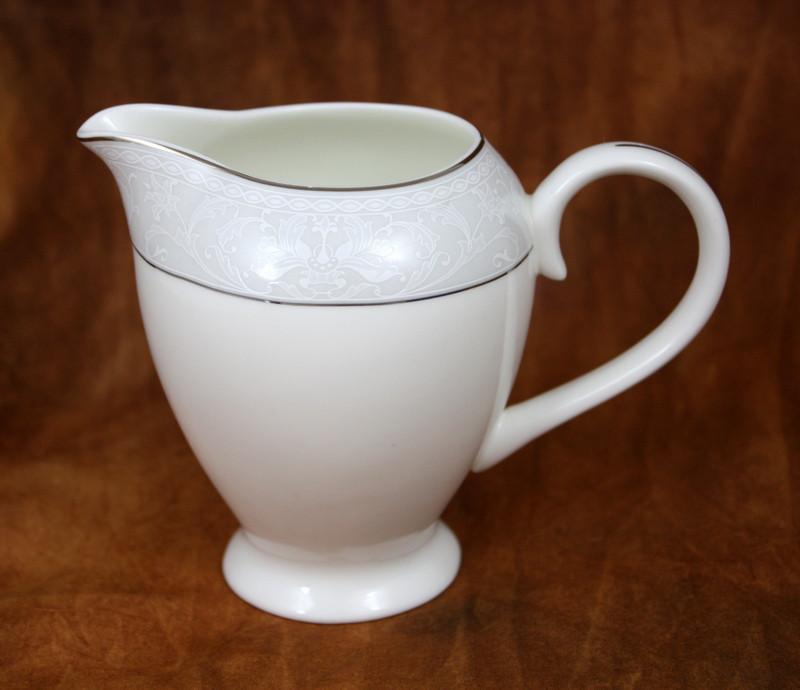 Адажио молочник
