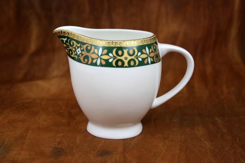 Салтанат молочник