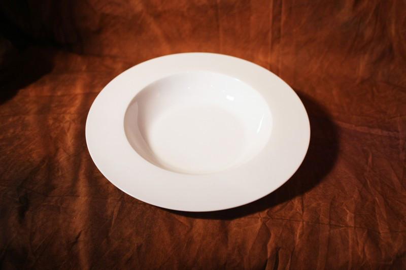Тарелка полупорционная