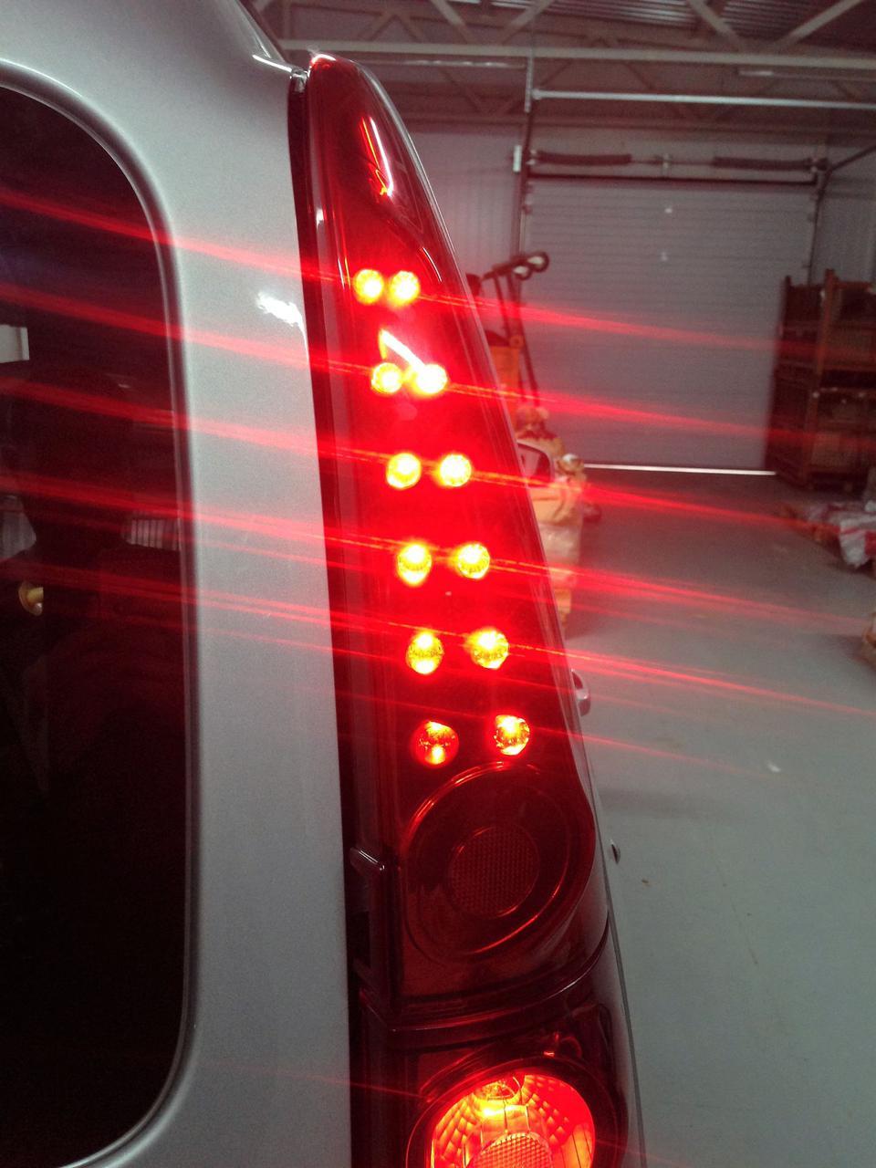 Тюнинг фонари второго поколения для Лада Ларгус