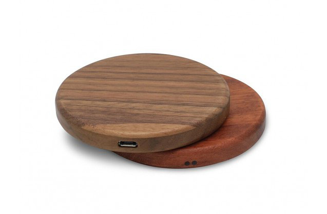 Fantasy Wood Charger