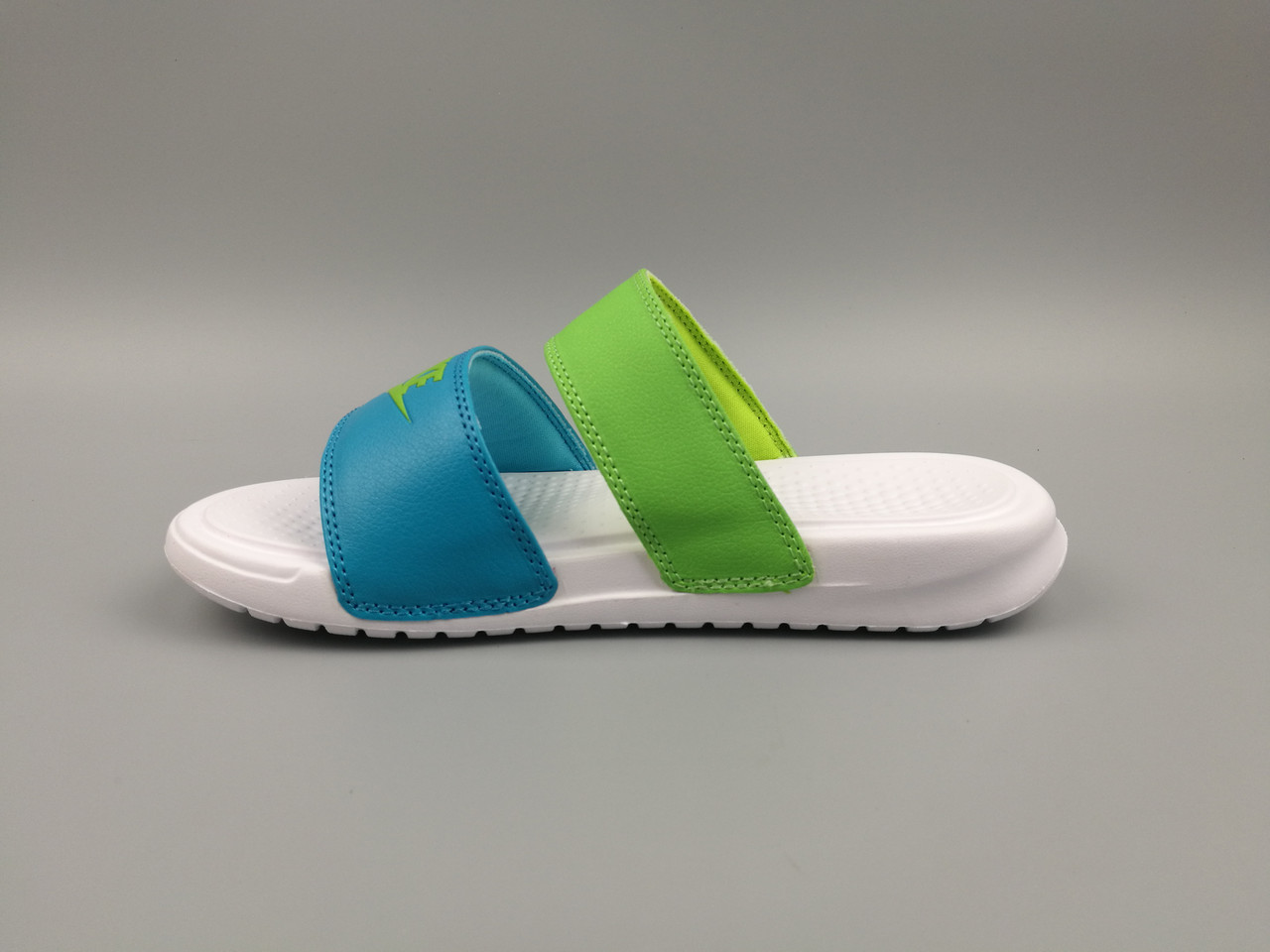 Шлепанцы Nike - фото 1