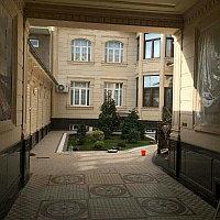 Фасад дома (Жидкий травертин) в г. Жезказган