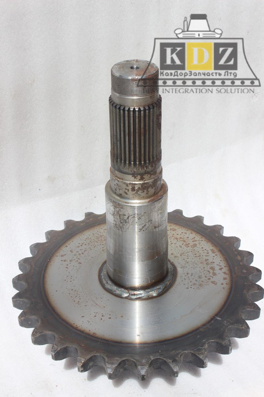 Цепное колесо с валом (задняя короткая) 85763003/85763002 на автогрейдер XCMG GR215, GR180