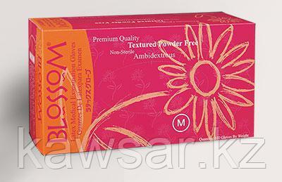 Перчатки латексные BLOSSOM медицинские неопудренные 50пар/упаковка - фото 1