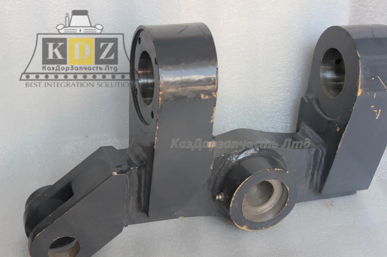 Сустав левого колеса на двух креплениях PY180G.17.24 GR215X.17.3 (380901057) автогрейдер XCMG GR215