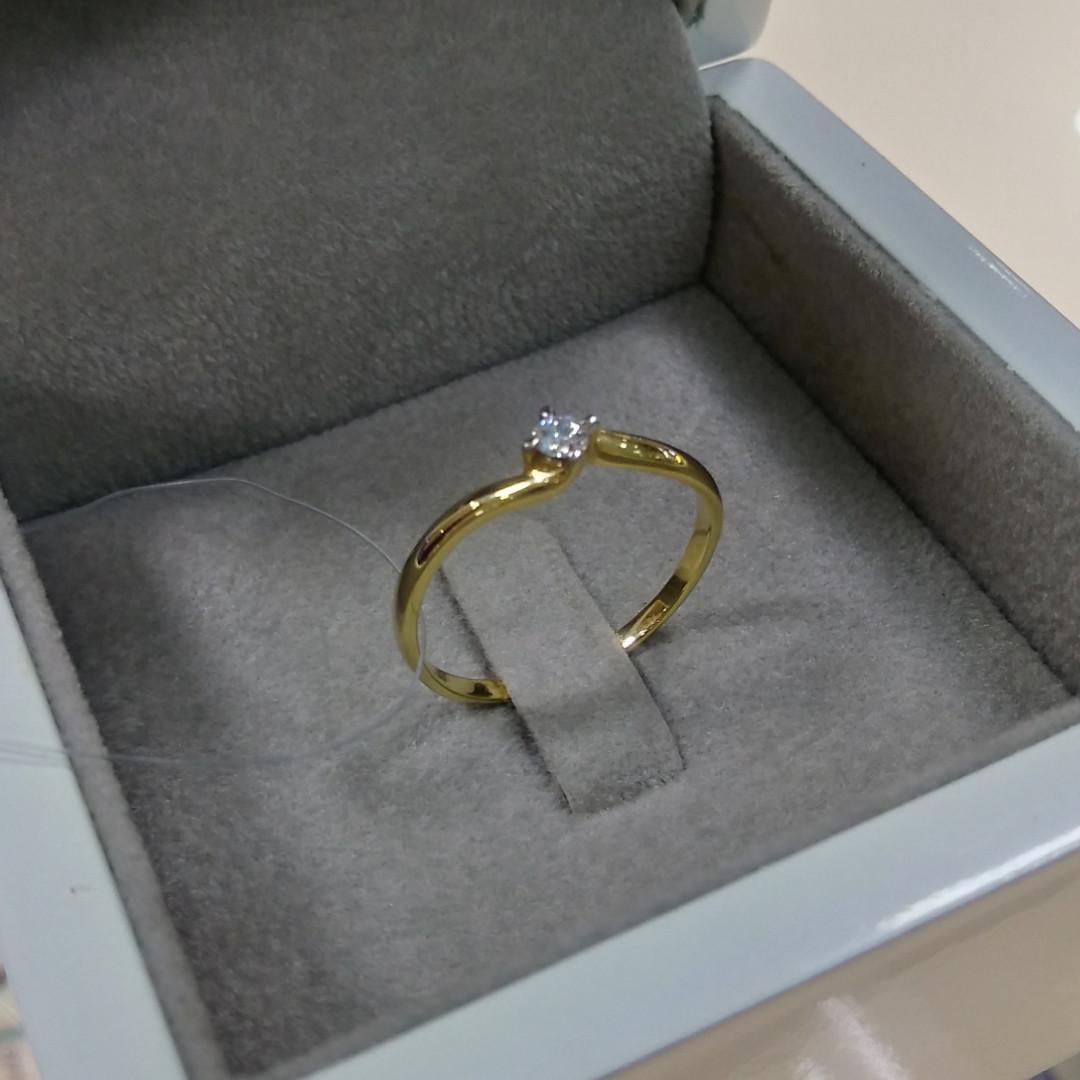 Кольцо с бриллиантом / жёлтое золото - 17,5 размер