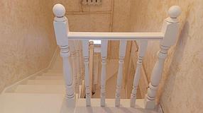 Реставрация перил и ступеней лестницы
