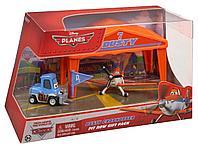 Игровой набор Самолет в ангаре Planes