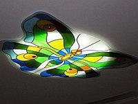 Витраж в потолке, V-111