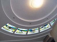 Витраж в потолке, V-117