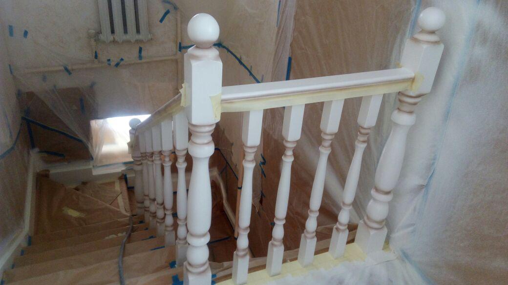 Реставрация старой деревянной лестницы и перил