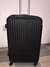 Чемодан черный 0305, большой
