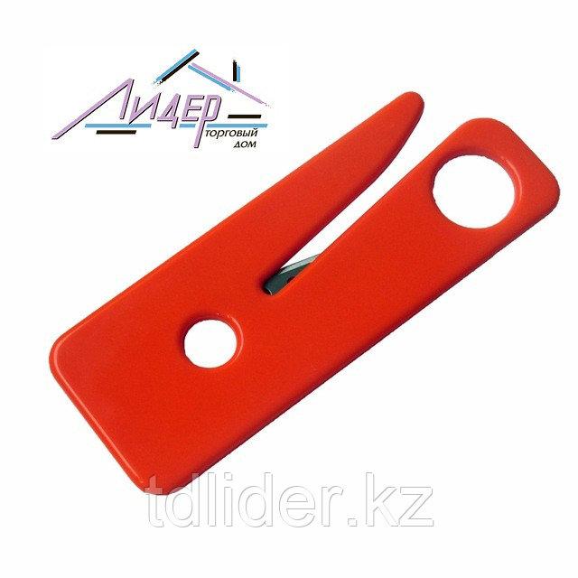 Нож для перерезки ремня безопасности