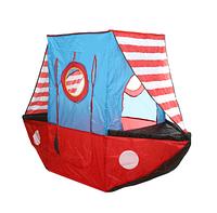 Детская игровая палатка в виде пиратского корабля.