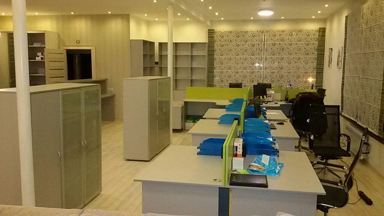 Офисная мебель, офисные столы тумбы, шкафы.