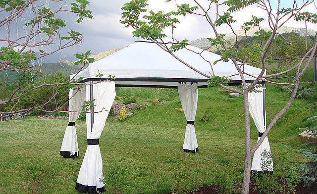 Беседка - шатер с боковыми стенками (3,5х3,5м)