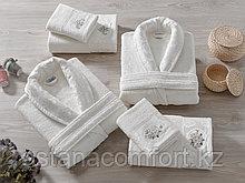 Махровые халаты и полотенца для семьи. Подарочный набор. Турция.