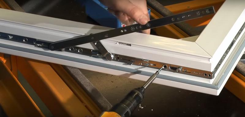 Замена фурнитуры на пластиковых окнах и дверях