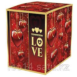 """Подарочная коробка для кружки """"Love"""" (100х100х105мм)"""