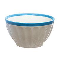 Миска керамическая 14,3*8 см с голубой каймой.