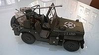 Модель военного джипа 31X16X17 см.