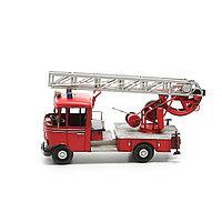 Модель пожарной машины. 39X14X19 СМ