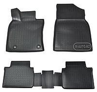 Резиновые коврики в багажник на Camry V70