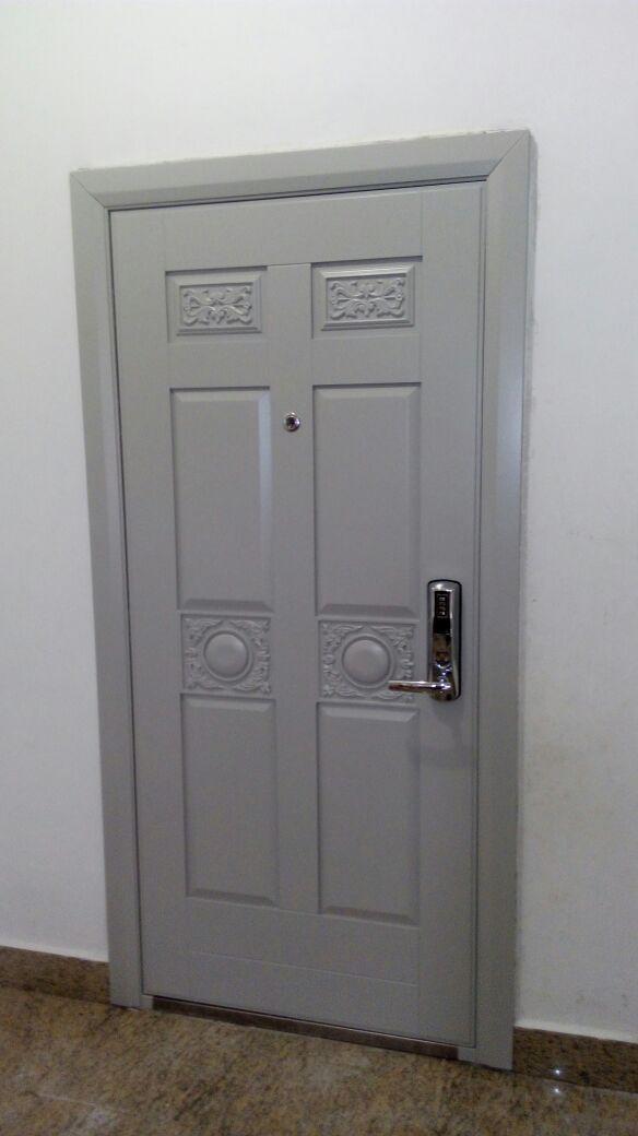 Лакировка и реставрация деревянных дверей