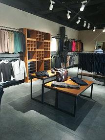 Торговое оборудование для сети магазинов одежды ZERO.  10