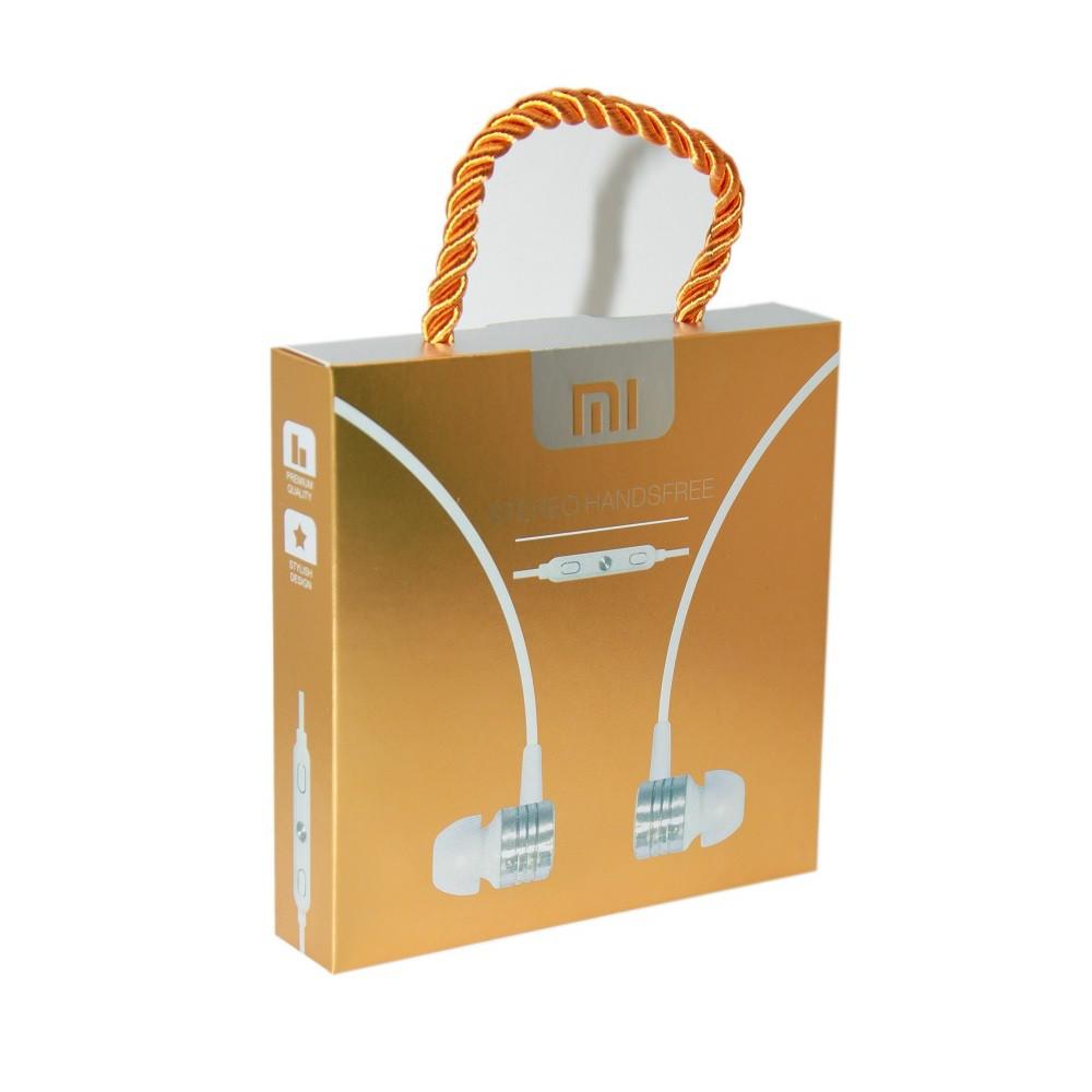 Наушники Mi в упаковке