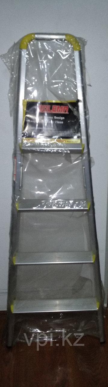 Лестница стремянка, алюминиевая, 4 ступени с желтыми вставками BOLEMA